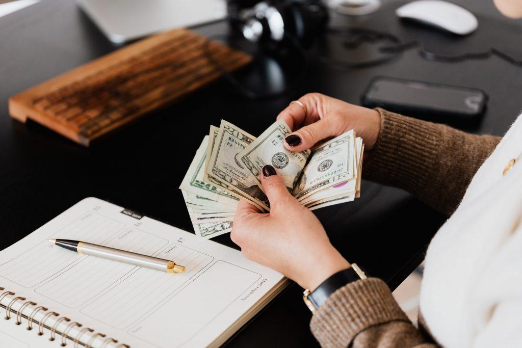 ingatlanközvetítői jutalék